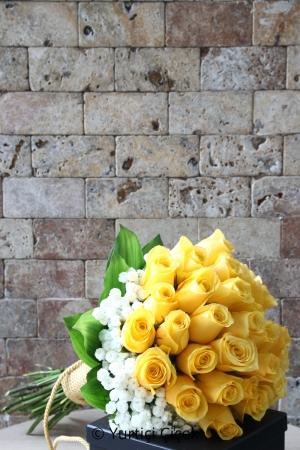Sarı Güllerden Gelin Buketi
